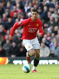 Christiano Ronaldo <3  So amazing at soccer it's unbelievable⚽