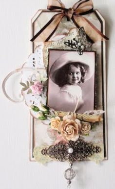 tag-Great idea for that old picture of Mom.