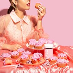Flo Vitamins Symptoms Cravings  #pms #flo #flovitamins #pink #vitamin #girl #women #period #product #productphotography #photography #studio #playful #editorial #cupcake #cake #party Modern Food, Prop Styling, Cravings, Vitamins, Diet, Creative, Desserts, Cake Party, Pms