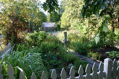 Ruth Stout Makes Your Garden Grow - foodista.com