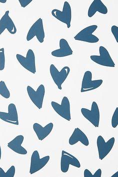 Scatter Hearts Wallpaper