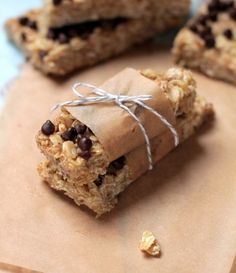 Healthy homemade refined sugar-free granola bars. No baking required!!