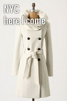 I would want a white coat like this but I know I would get something on it :/
