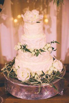 romantic classic cake // photo by Lindsey Johnson // http://ruffledblog.com/mint-springs-farm-wedding