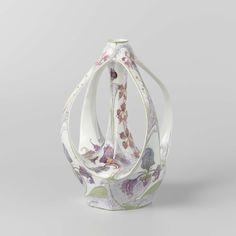 Vaas met vier oren, veelkleurig beschilderd met orchideeën, N.V. Haagsche Plateelfabriek Rozenburg, 1902