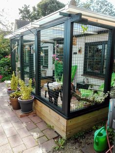 The benefits of a catio or enclosed deck are that you help prevent your feline f. - The benefits of a catio or enclosed deck are that you help prevent your feline from coming into con - Future House, My House, Outdoor Cat Enclosure, Patio Enclosures, Litter Box Enclosure, Outdoor Cats, Cat House Outdoor, Outdoor Decor, Cat Room