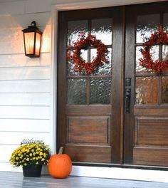 70 Beautiful Farmhouse Front Door Design Ideas And Decor - Googodecor Painted Front Porches, Front Door Porch, Wood Front Doors, Front Door Entrance, Exterior Front Doors, Entrance Decor, The Doors, Front Entrances, House Entrance