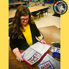 Sign up for this FREE Workbook and take the guesswork out of Guided Reading in the primary grades! Guided Reading Lessons, Guided Reading Levels, Teaching Phonics, Phonics Activities, Alphabet Phonics, Readers Workshop, Primary Classroom, Phonemic Awareness, 21st Century