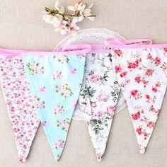 Banderin de tela con flores de estilo inglés