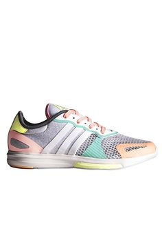 The adidas StellaSport Yvori Shoe in Light Grey, White and Granite will give you a new reason to train. With its super snug fit and cute pastel colour combination, it is both functional and fashionable, ideal for the gym. Coordinate with a grey tank and black shorts for your next sweat session.