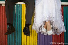 Somos fans de los detalles! Y los #zapatos de esta #novia no pasaron desapercibidos. Entrá a nuestra web para conocer más de nuestro trabajo 54fotografia.com Fotografia de casamientos, bodas y eventos Wedding photography Pants, Dresses, Fashion, Beach Weddings, Mariage, Getting To Know, Zapatos, Fotografia, Trouser Pants