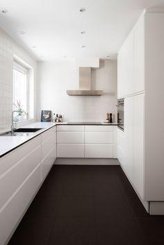 estilo nórdico escandinavo decoración cocinas cocinas nórdicas cocinas modernas blancas Cocina bien iluminada sin adornos blog decoracion interiores #cocinasmodernasideas