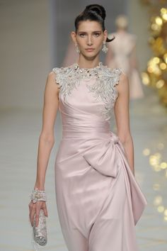 Guo Pei Spring 2016 Couture ℳiss Giana's Gorgeous Gowns ♛ ♛ Poppy Pea Moda Fashion, Pink Fashion, Couture Fashion, Beautiful Gowns, Beautiful Outfits, Couture Collection, Dream Dress, Pretty Dresses, Guo Pei