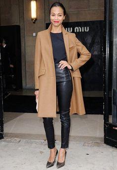 zoe-saldana-atriz-street-style-look-inverno-sobretudo-caramelo