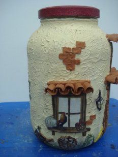 Adornos con materiales reciclados | Aprender manualidades es facilisimo.com