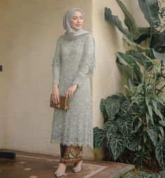 "Kebaya Inspiration INDONESIA on Instagram: ""A mix of calm colors, beadings and modesty in one look. Regram from @megaiskanti and @anissaffirastudio . #kebayainspiration #kebaya…"" Kebaya Modern Hijab, Model Kebaya Modern, Kebaya Hijab, Model Kebaya Muslim, Dress Brokat Muslim, Dress Brokat Modern, Dress Muslim Modern, Kebaya Lace, Kebaya Dress"