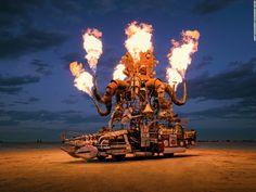 Il est impossible que vous n'ayez jamais entendu parler du festival Burning Man car c'est le plus extrême et le plus créatif qui existe sur terre ! Depuis 1986, cet évènement mixe l'art et la musique dans le désert de Black Rock au Nevada avec une frénésie de folies en tout genre qui se termine … Continued