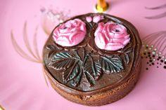 Pink Roses Brownie by The sugar mice, via Flickr