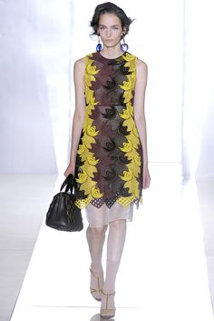 Marni Spring 2012 Ready-to-Wear Fashion Show - Zuzanna Bijoch