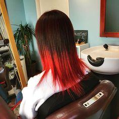 """WEBSTA @ r3.miley - .ずっと前から決めてた""""赤髪""""❤️.色々悩んだけど、こーゆー感じにしてみました.根元は暗めの赤色で.半分から毛先にかけてはハイトーンの赤色にしました.赤髪最高❤️❤️❤️❤️❤️.いつかはオールレッドにする..#マニパニ #ヘアー #カラー #ヘアカラー #ブリーチ #赤髪 #グラデーション #hair #color #haircolor #bleach #red #graduation #hairstyles #favorite #favoritecolor #l4l #instagood #instacolor #instaphoto #follow #followme #me #❤️ #"""