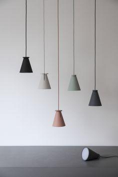 Lampe Bollard / Baladeuse à poser ou suspendre - H 13 cm Vert pâle - Menu