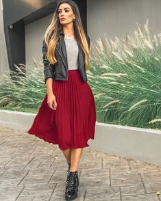 New boots biker heels 55 Ideas 📌 Rock rot , Shirt grau , Schuhe und Lederjacke schwarz This image has. Mode Outfits, Trendy Outfits, Fall Outfits, Skirts With Boots, Red Skirts, Midi Skirt Outfit, Skirt Outfits, Modest Fashion, Fashion Dresses