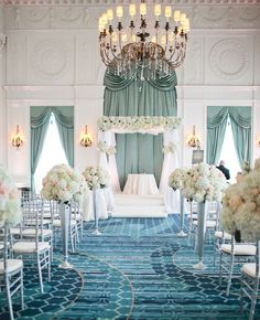 working / venue and its unique color palette creates a beautiful setting / Photo: Christine Foehrkolb Photography <3