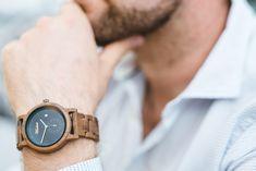 Darčeky pre obchodných partnerov sú každoročným problémom vo firmách, my Vám prinášame unikátne riešenie, kvalitné drevené hodinky od Waidzeit. Wood Watch, Watches, Accessories, Fashion, Wooden Clock, Moda, Wristwatches, Fashion Styles, Clocks
