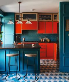 Teal Kitchen Decor, Kitchen Cabinet Colors, Kitchen Paint, Kitchen Colors, Kitchen Black, Kitchen Modern, Orange Kitchen Cupboards, Colors For Kitchens, Blue Orange Kitchen