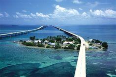 scenic 7 mile bridge in Florida Keys