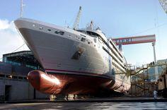 """Varata ad Ancona """"Le Soleal"""", nave di Compagnie du Ponant #crociere #fincantieri"""