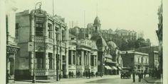 ¿Eres un nostálgico? Recopilamos las fotos antiguas más hermosas de Valparaíso. 15 imágenes que te mostrarán un poco de su historia reciente del siglo XX.