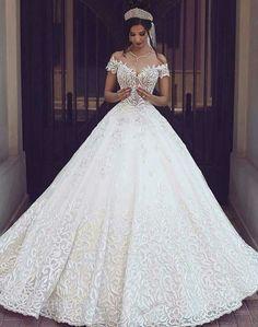 Beautiful dress. Top pick.