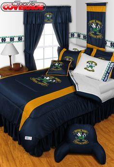 Fighting Irish logos in my bedroom? Yes please!