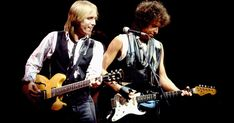 From classic Tom Petty: 10 Great Performances Heartbreakers gigs to duets with Stevie Nicks, Bob Dylan and Axl Rose Tom Petty, Bob Dylan Covers, On Air Radio, Travelling Wilburys, Toms, Legendary Singers, Music Theater, Gretsch, Ringo Starr