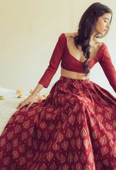 Lehenga Designs, Kurta Designs, Saree Blouse Designs, Sari Design, Outfits Primavera, Desi Wear, Indian Lehenga, Red Lehenga, Indian Attire