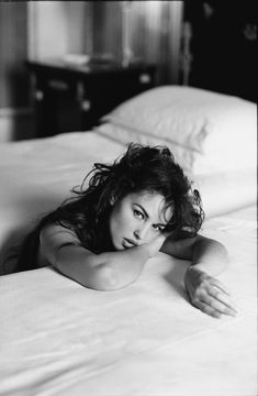 Моника Белуччи (Monica Bellucci) в фотосессии Андреа Бланш (Andrea Blanch) (1996), фотография 5