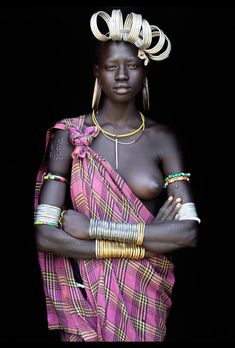 Ethiopia - Omo Valley / Photography Gallery Set by John Kenny John Kenny, Tribal People, Tribal Women, Man Ray, African Tribes, African Women, Black Is Beautiful, Beautiful People, African Culture