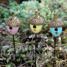 25 Cute DIY Fairy Furniture and Accessories For an Adorable Fairy Garden - DIY & Crafts Fairy Garden Furniture, Fairy Garden Houses, Diy Fairy Garden, Fairies Garden, Garden Bed, Diy Jardim, Acorn Crafts, Fairy Village, Creation Deco