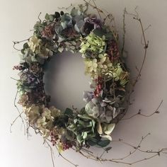 Dried Flower Wreaths, Hydrangea Wreath, Hydrangea Flower, Dried Flowers, Floral Wreath, Christmas Garden, Christmas Stuff, Christmas Ideas, Christmas Wreaths