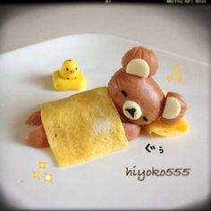 A sleeping bear made out of a sausage. too cute to eat! Bento Recipes, Baby Food Recipes, Cooking Recipes, Cute Food, Good Food, Yummy Food, Food Art For Kids, Childrens Meals, Food Decoration