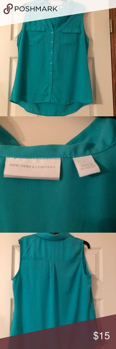 Turquoise New York & Co Sleeveless Blouse Women's Turquoise Flowy Sleeveless Blouse. Size Large. Only worn once! New York & Company Tops Tank Tops