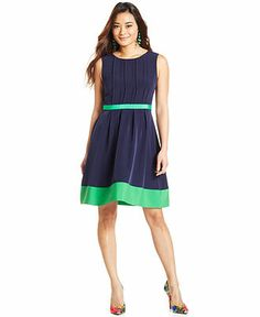 Jessica Simpson Sleeveless Colorblock Dress - Love the bold Navy and green colors on this dress.  #GiftShareLove #FashionFave