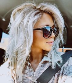 34 platinum blonde hair shades and highlights for 2019 6 – nothingideas Blonde Hair Shades, Platinum Blonde Hair, Icy Blonde, Blonde Wig, Blonde To Silver Hair, Blonde Hair For Summer, Blonde Fall Hair Color, Mid Length Blonde Hair, Mid Length Hair With Layers