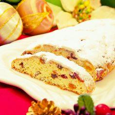 詳しい手順&画像記載しています♡  発酵なしの時短でもフカフカしっとり♬  水切りヨーグルトで簡単に濃厚で本格的なお味です♪  すぐに食べても少しずつ食べてもOK♪  クリスマスにゼヒいかがでしょうか♡