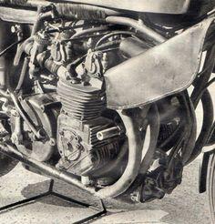 Motorcycle Engine, Motorbikes, Racing, Vehicles, Classic, Bags, Running, Derby, Handbags
