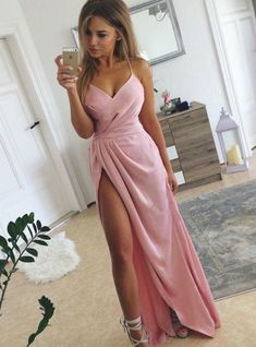 Shop long prom dresses and formal gowns for prom 2019 at Kemedress. Prom ball gowns, long evening dresses, mermaid prom dresses, long dresses for prom,body type & fashion sense. Check out selection and find the prom dress of your dreams! Designer Formal Dresses, Pink Formal Dresses, Girls Dresses, Party Dresses, Flowy Dresses, Tight Dresses, Ball Dresses, Wedding Dresses, Glamouröse Outfits