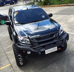 Here are photos of Doug Kramer's heavily modified Isuzu MU-X. It's the most badass MU-X SUV out there. Jeep Truck, 4x4 Trucks, Suv Cars, Race Cars, Isuzu D Max, Top Gear, Jeeps, Audi A3, Cars And Motorcycles