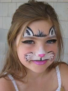Cute, quick kitty face painting. Z Face and Body Art.