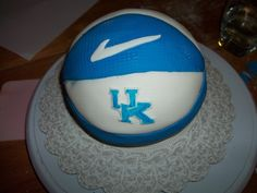 Pin Uk Basketball Cake Hd Cake on Pinterest
